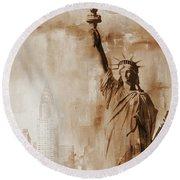New York Statue Of Liberty Round Beach Towel