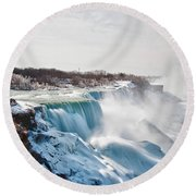 Round Beach Towel featuring the photograph Niagara Falls 4589 by Guy Whiteley