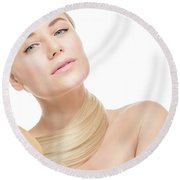 Nice Girl In The Beauty Salon Round Beach Towel