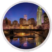 Night Cityscape - Omaha - Nebraska Round Beach Towel