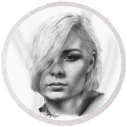 Nina Nesbitt Drawing By Sofia Furniel Round Beach Towel