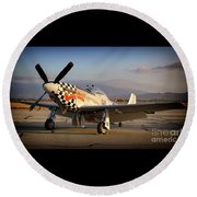North American P-51d Mustang Buzzin Cousin Round Beach Towel
