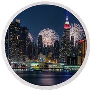 Round Beach Towel featuring the photograph Nyc 4th Of July Fireworks Celebration by Susan Candelario