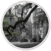 Oak Limb At Old Sheldon Church Round Beach Towel