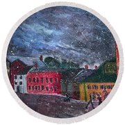 Old Amesbury Early Winter Round Beach Towel