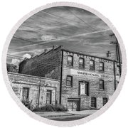Old Asheville Building Round Beach Towel