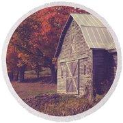 Old Barn In Vermont Round Beach Towel by Edward Fielding