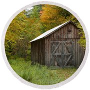 Old Barn New England Round Beach Towel
