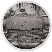 Old Car City In Black And White Round Beach Towel