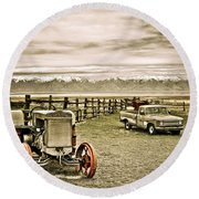 Old Case Tractor Round Beach Towel
