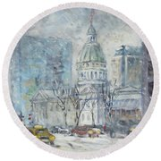 Old Courthouse From N 4th St. St.louis Round Beach Towel