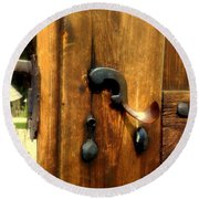 Old Door Handle Round Beach Towel