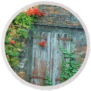 Old Farm Door Round Beach Towel