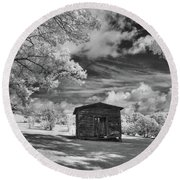 Old Farm Shed  Round Beach Towel