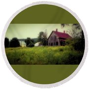Old Farmhouse - Woodstock, Vermont Round Beach Towel