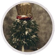 Old Fashioned Christmas Round Beach Towel