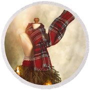 Old Fashioned Christmas Tree Round Beach Towel