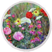 Old Fashioned Garden Round Beach Towel