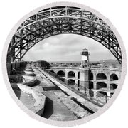 Old Fort Point Lighthouse Under The Golden Gate In Bw Round Beach Towel