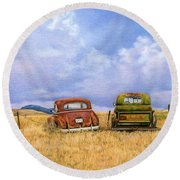 Two Old Friends  Round Beach Towel