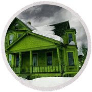 Round Beach Towel featuring the photograph Old House In Roslyn Washington by Jeff Swan