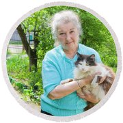 Old Lady With Cat Round Beach Towel