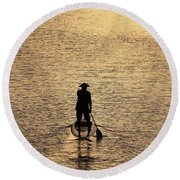 Old Man Paddling Into The Sunset Round Beach Towel