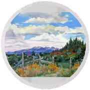 Old North Fence-in Colorado Round Beach Towel