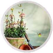 Old Plant Pot Round Beach Towel