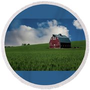 Old Red Barn In The Palouse Round Beach Towel by James Hammond
