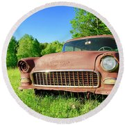 Old Rusty Car Round Beach Towel
