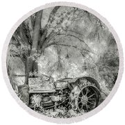 Old Tractor Round Beach Towel