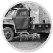 Old Truck Round Beach Towel