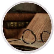 Old Vintage Books With Reading Glasses Round Beach Towel