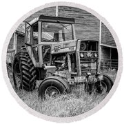 Old Vintage Tractor On A Farm In New Hampshire Square Round Beach Towel