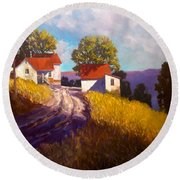 Old Willy's Barn Round Beach Towel