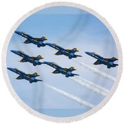 On Wings Like Eagles Round Beach Towel