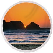 Round Beach Towel featuring the photograph Oregon Sunset by Bryan Carter