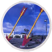 Pair Of Roadside Arrows Round Beach Towel