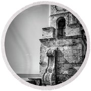 Palm Beach Clock Tower In Black And White Round Beach Towel