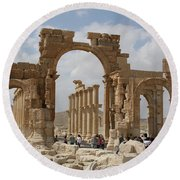 Palmyra Before...triumphal Arch Round Beach Towel