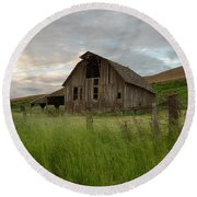 Palouse Barn Spring Round Beach Towel