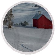 Palouse Saltbox Barn Winter Round Beach Towel