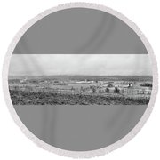 Panorama Farm Amish  Round Beach Towel