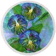 Pansy On Water Round Beach Towel