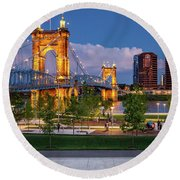 Park Under The Bridge Round Beach Towel