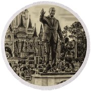 Partners Statue Walt Disney And Mickey In Black And White Mp Round Beach Towel