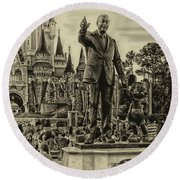 Partners Statue Walt Disney And Mickey In Black And White Round Beach Towel