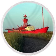 Path To Light Round Beach Towel