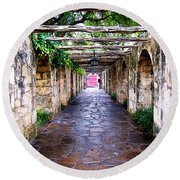 Path To The Alamo Round Beach Towel